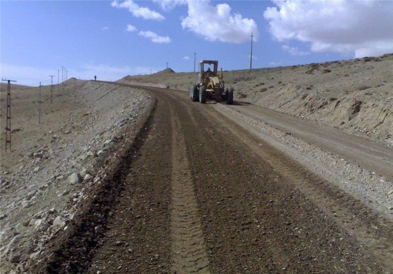 آغاز آسفالت اسلاری سیل در۵۰ کیلومتر از محورهای شریانی جنوب سیستان و بلوچستان