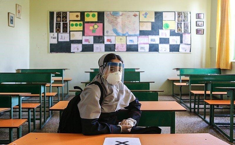 هزار و ۴۰۰ دانش آموز نیاز ویژه به گوشی و تبلت دارند